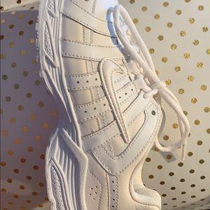 White Nike kids Unisex shoes